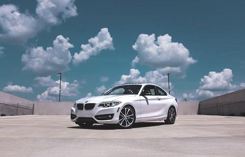 Tips Membeli Mobil Baru Agar Dapat Harga Termurah